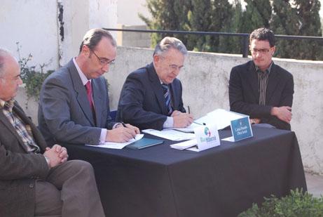 Signatura col·laboració Caixa Penedès