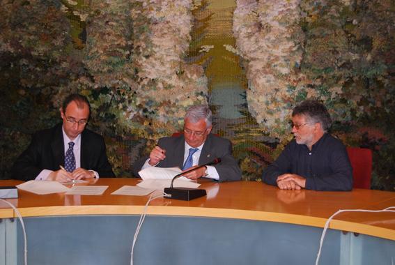 Signatura del conveni amb Sant Sadurní