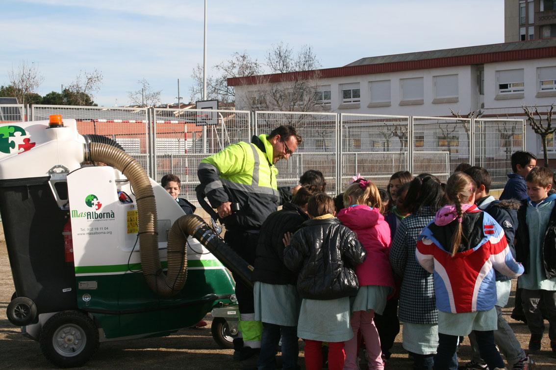 La neteja viària arriba a les escoles