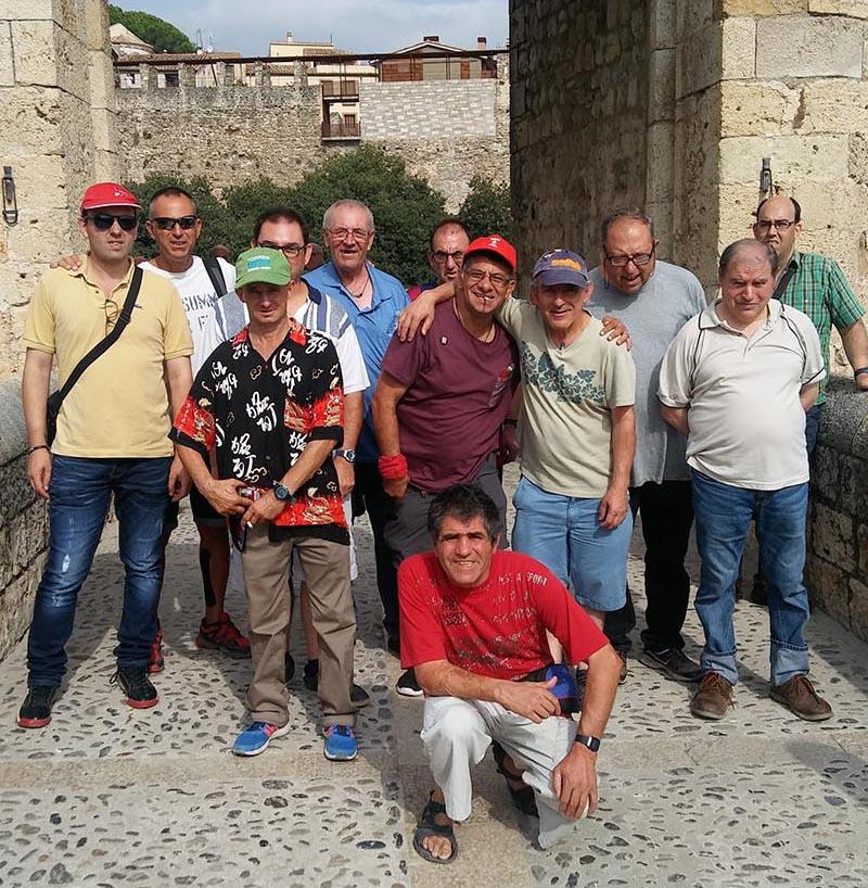 Visitant Figueres