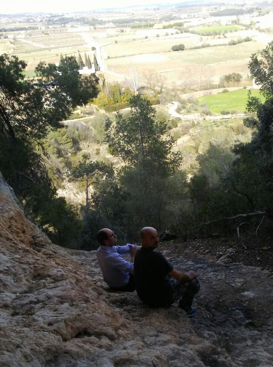 Trekking i visita a la cova de Can Vallès