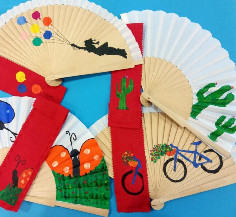 Una col·lecció de diversos ventalls d'estiu. Productes fets a mà i amb el cor.